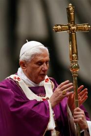 Pope Benedict XVI, Vatican City, 2010-03-29 (AP Photo/Alessandra Tarantino)